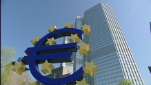 Euro continues to sink against dollar