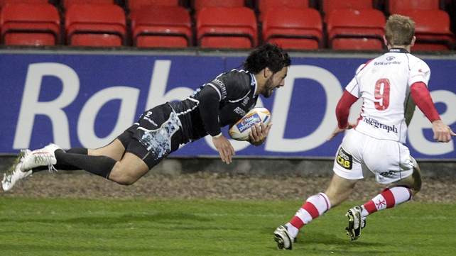 Troy Nathan - Crosses the line for Glasgow