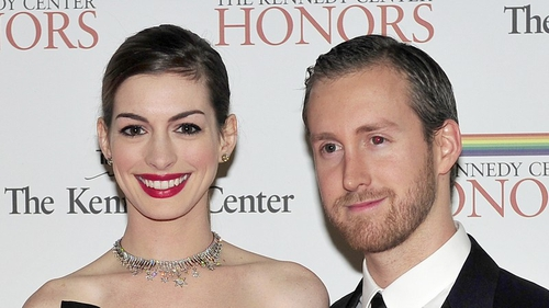 Anne Hathaway with fiancé Adam Shulman
