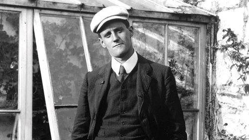 Author (and style icon) James Joyce pictured in Dublin in 1904