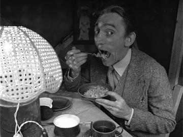 John Molloy's Dublin Having Breakfast