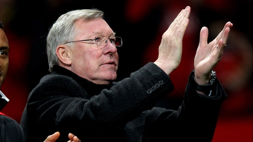 Alex Ferguson remains confident that his side can win the title