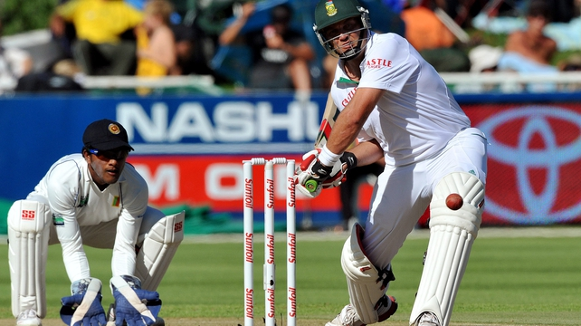 Test ton - Jacques Kallis on his way to 159 not out at Newlands