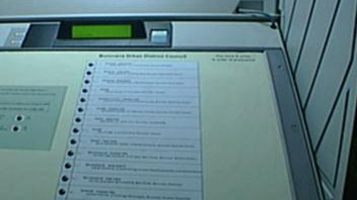 Michael Noonan said there may be a market for e-voting machines in Irish-themed pubs