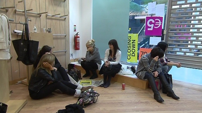 La Senza workers stage sit-in