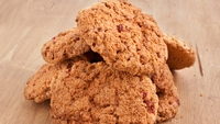 Wholemeal Bran Cookies - These cookies are so much better for you than shop-bought biscuits, as all the ingredients are natural. A healthy treat that will fill you up. 