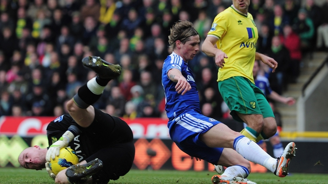 Fernando Torres endured another difficult afternoon with Chelsea