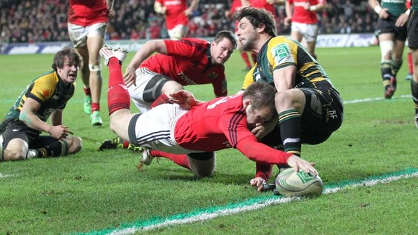 Johne Murphy touches down for Munster