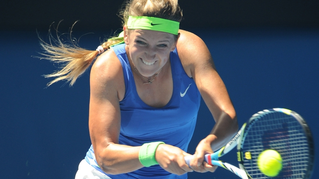 Victoria Azarenka will face Agnieszka Radwanska in the quarter-finals