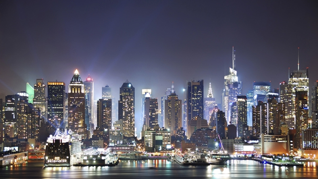 The New York skyline at night, a sight to fall in love with!