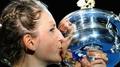 Azarenka cruises past Sharapova to claim Open