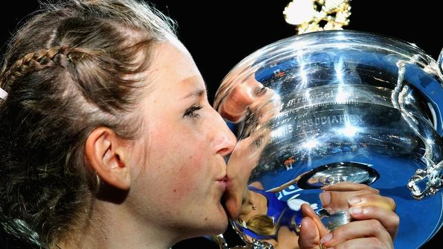 Victoria Azarenka beat Maria Sharapova 6-3 6-0