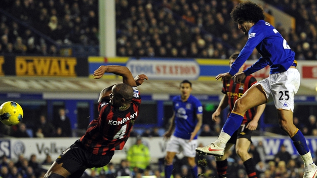 Marouane Fellaini shoots during Everton's 1-0 win