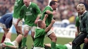 Ireland players celebrate in 2000 after their last victory in Paris