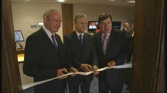 Martin McGuinness, Peter Robinson and Brian Cowen open the new RTÉ Belfast offices in 2008.