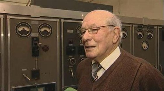 Tom Collins recalls the origins of the medium wave radio service.