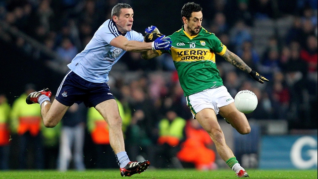 Dublin's Paul Brogan attempts to close down Kerry's Paul Galvin