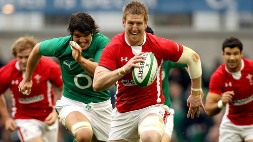 Bradley Davies makes a break followed by Donncha O'Callaghan
