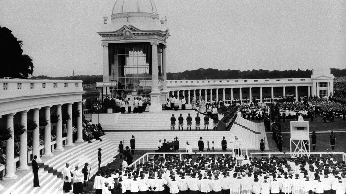 Pontifical High Mass in the Phoenix Park 31st International Eucharistic Congress in Dublin (1932) © RTÉ Stills Library 0503/052