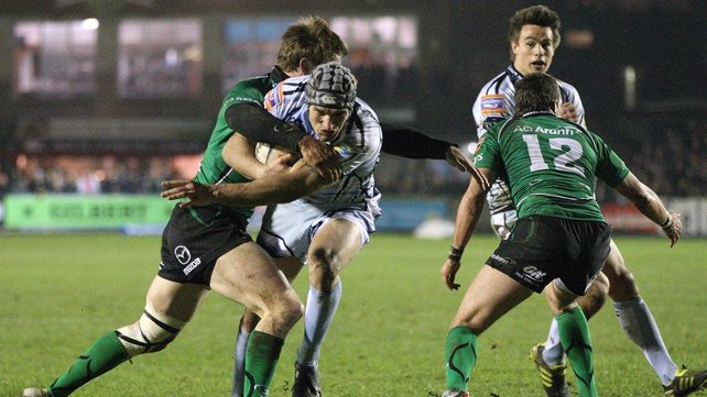 Tom James takes on Kyle Tonetti of Connacht