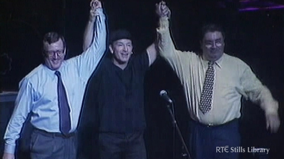 Bono with David Trimble and John Hume (1998) © RTÉ Stills Library 3036/037