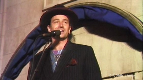 Bono sings at 'Rattle and Hum' film premiere (1988) © RTÉ Stills Library 3036/04