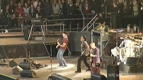 U2 play Slane Castle (2001)  © RTÉ Stills Library 3036/042