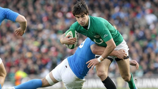Conor Murray is stopped by Parisse