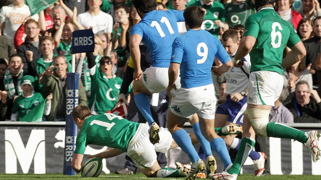 Tommy Bowe scores Ireland's second try just before half-time