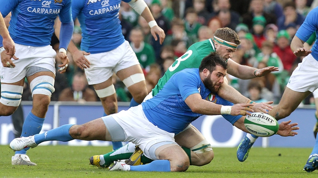 Jamie Heaslip is beaten to the ball by Robert Barbieri