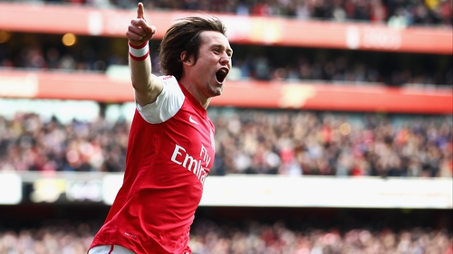Arsene Wenger is confident that  Tomas Rosicky will stay with Arsenal