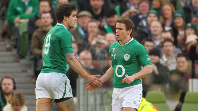 Conor Murray retains his starting place at scrum-half ahead of Eoin Reddan