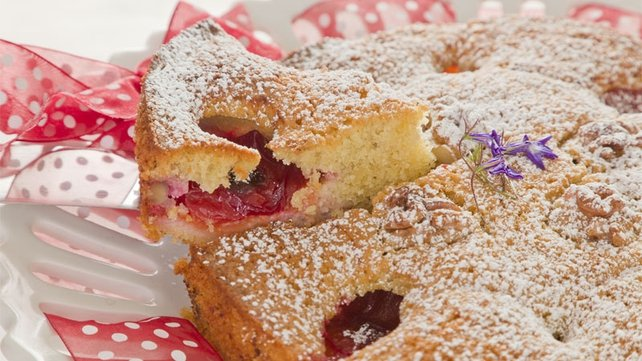 Fresh plum cake with almonds