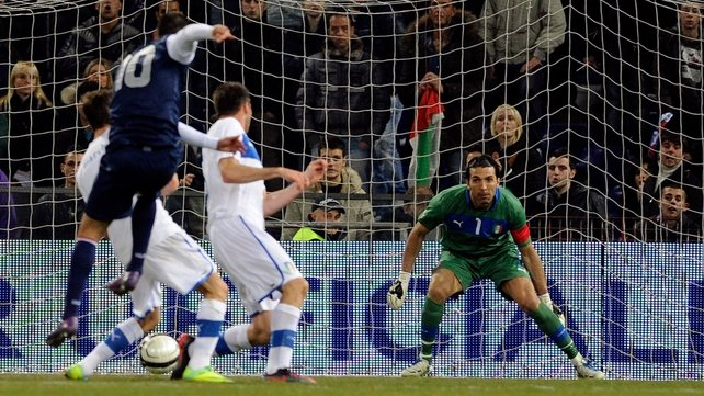 Clint Dempsey blasts home the game's only goal against Italy