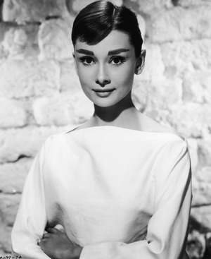 Audrey Hepburn - Embodies classic styleAudrey Hepburn Fashion Icon