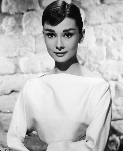 Audrey Hepburn - Embodies classic style