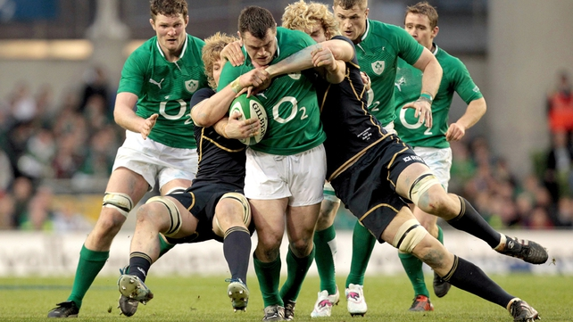 Cian Healy makes a burst