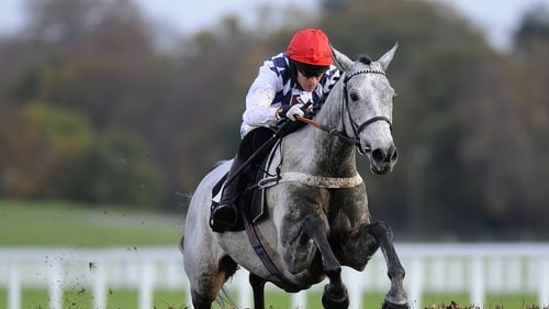 Simonsig is a best-price 5-6 favourite for the Arkle Trophy at Cheltenham