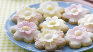 Wafer Daisy Cookies