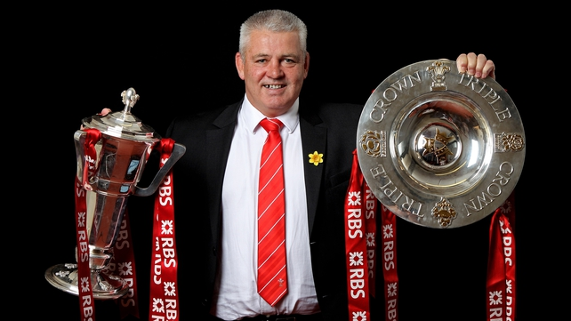 Warren Gatland poses with the RBS 6 Nations trophy and the Triple Crown