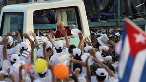 Pope Bendict XVI arrives at Revolution Square in Santiago