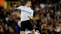 Bale signs new deal with Tottenham