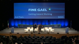 Fine Gael gains two points to 34% in the latest poll