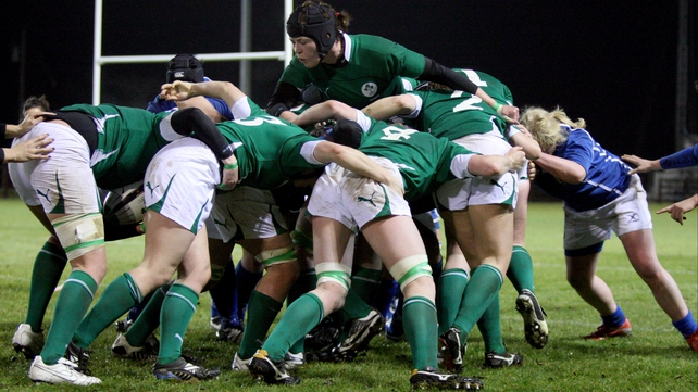 Marie Louise Reilly at the heart of an Irish maul