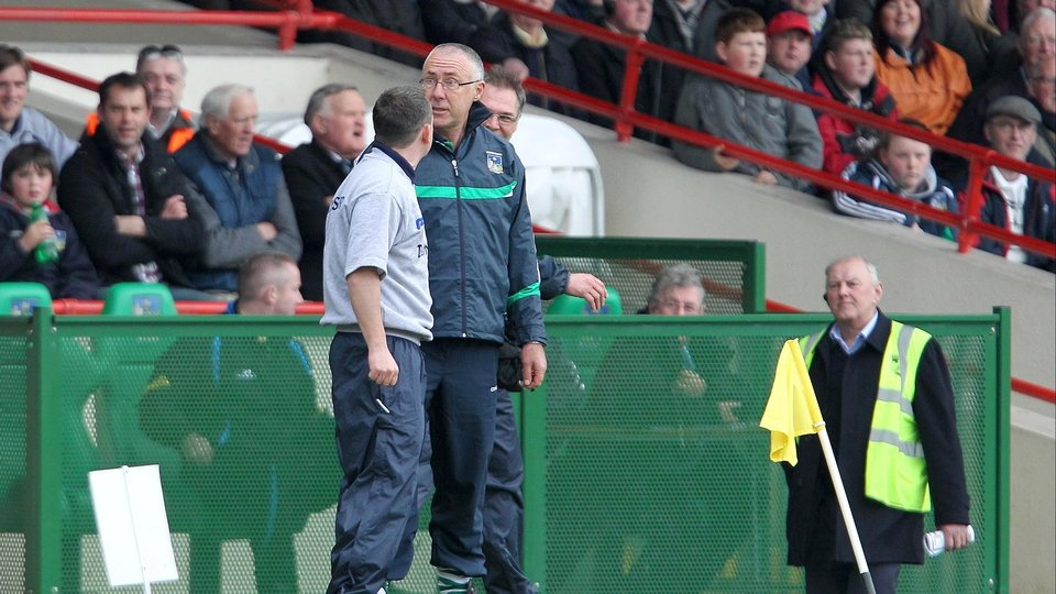 Rival bosses Davy Fitzgerald and John Allen have a 'few words' during the Allianz HL Division 1B decider which the Banner won by two points