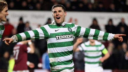 Gary Hooper scored twice as Celtic sealed the title with a 6-0 win over Motherwell