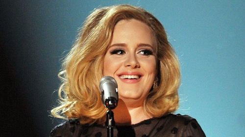 Adele: tweeted that she hasn't married