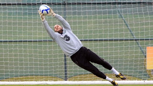 Ireland keeper Randolph signs for West Ham