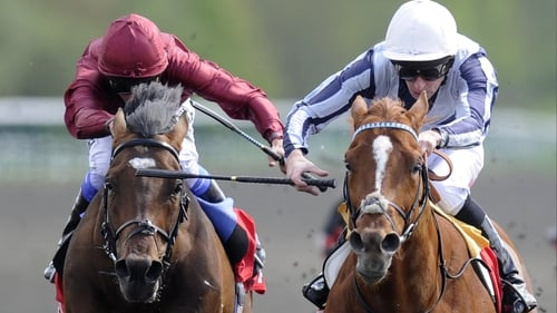 Main Sequence (r), with Ted Durcan on board, get the better of well-backed favourite Shantaram in the Lingfield Derby Trial
