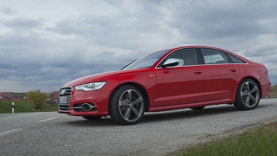 The OTR (on the road) price in Ireland is dependent on specification but starts at €86,900 for the S6; the S6 Avant is an additional €3,150.